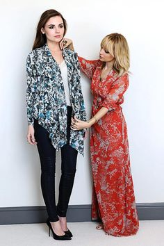 OMG  I seriously need that wrap! Nicole Richie for QVC #looks #prints