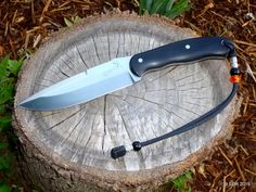 Bushcraft Defiant Model CE400 in 154 CM with 59 C Rockwell hardness.