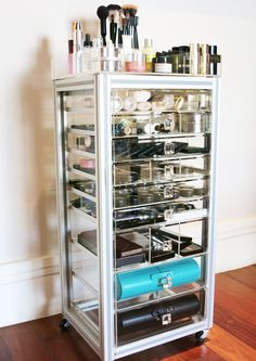 I think would be the perfect addition to my room. All of my makeup would fit in here and it would look amazing at the same time #makeuporganizer