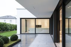 Residential building G - Munich-Grünwald - Gramming Rosenmüller Architects - Single-family house Grünwald, 2016 - Future House, My House, Marquise, Facade House, House Facades, House Extensions, Minimalist Home, Detached House, Architecture Design