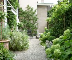 Brilliant ideas for small decked garden 49