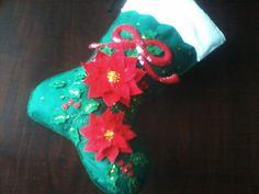bota de natal com flores espirito santo em feltro