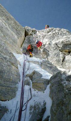 Everest northeast ridge second step Mountain Climbing, Rock Climbing, Everest Mountain, Monte Everest, Climbing Everest, Bergen, Himalaya, Adventure Activities, Take Better Photos