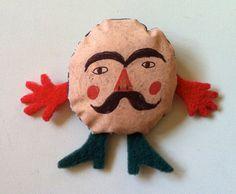 Muñeco genial de Tosya.