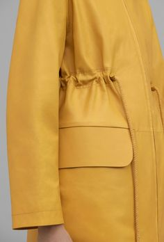 COS   New coats and jackets for spring #RaincoatsForWomen Raincoats For Women, Jackets For Women, Clothes For Women, Cos Jackets, Zara Kids, Raincoat Outfit, Fashion Details, Fashion Trends, Coat Dress