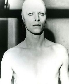 David Bowie - 'The Man Who Fell to Earth', directed by Nicolas Roeg. I always thought that Bowie could never really be from Earth. Angela Bowie, David Bowie, Anthony Kiedis, Lauryn Hill, Carl Jung, Freddie Mercury, Bowie Blackstar, The Thin White Duke, Major Tom