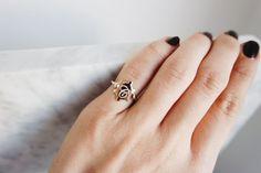Harf küçük parmak yüzüğü (gümüş) rose kaplama ürün gümüştür.Rose altın kaplamadır.Yüzük ölçüsü.... 318561