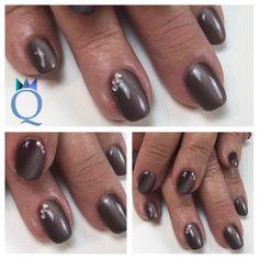 #shortnails #gelnails #nails #brown #cateye #rainbow #stones #kurzenägel #gelnägel #nägel #braun #cateyegel #regenbogen #steinchen #nagelstudio #möhlin #nailqueen_janine