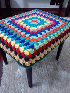 Crochet Yarn, Crochet Flowers, Crochet Stitches, Crochet Patterns, Crochet Table Mat, Baby Knitting, Lana, Crochet Projects, Free Pattern