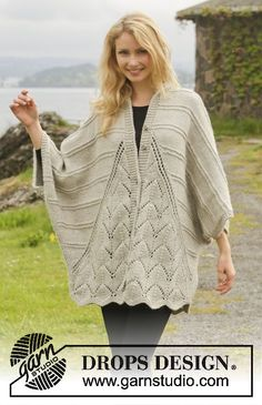 Free Knitting Pattern for Ripple Tide Sweater Wrap -Oversized cardigan in three pieces with lace panels in front and back that add a natural scallop to the hem. Designed by DROPS Design. S/ M – L/XL – (Top Crochet Drops Design) Crochet Jacket, Knit Jacket, Knit Crochet, Drops Patterns, Lace Patterns, Crochet Patterns, Knitted Poncho, Knitted Shawls, Sweater Knitting Patterns