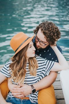 Love her orange sunhat and his matching orange pants   Image by Alex Lasota Photography