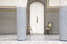 . Silence Fes Maroc  - #fes #maroc #fez #marruecos #tiles #tileaddiction #azulejos #palace #pattern #travel #travelgram #wanderlust #nikon by xaviquesada