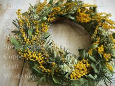 この時期ハズせない #ミモザ の #リース #mimosa #eucalyptus #euphorbia #driedflowers #handmade #wreath #nature #flowers #spring #ドライフラワー #ハンドメイド #花のある暮らし #coppecraftworkshop by coppecraftworkshop