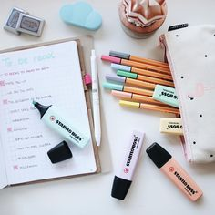 Nooit genoeg pastel. #stationery #stabilo #stabilonl #pastel Organization Bullet Journal, Bullet Journal Notes, School Supplies Organization, School Supplies Highschool, Cute School Supplies, Studyblr, School's Out For Summer, Planners, Learning For Life