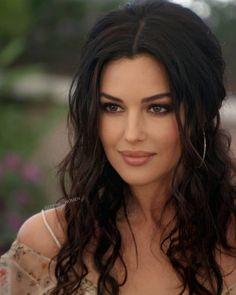 Most Beautiful Faces, Beautiful Girl Image, Gorgeous Women, Brunette Beauty, Hair Beauty, Monica Bellucci Movies, Jolie Photo, Woman Face, Beautiful Actresses