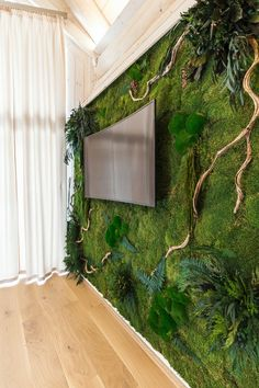 Cabin moss Wall / Wood interior Moss Wall with plants and Wood from Bemoss. Green from nature to hom Moss Wall Art, Moss Art, Modern Interior, Interior And Exterior, Vertical Green Wall, Moss Decor, Interior Garden, Wood Interiors, Plant Wall