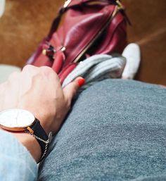 Details  und endlich Freeeeeeeiiiiitag ️ Happy Start ins Wochenende!  #accessories #accessory #adidas #armcandy #bag #bracelet #bracelets #danielwellington #details #detailsoftheday #dotd #fashion #fwis #Hamburg #instafashion #jewellery #jewelry #jewelrygram #louisvuitton #ootd #outfit #rosegold #sneakers #sophiacoppola #uhr #watch #watches #watchesofinstagram