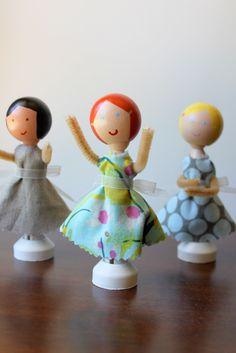 Wooden Dolls - http://www.estroo.it/2014/01/30/wooden-dolls/