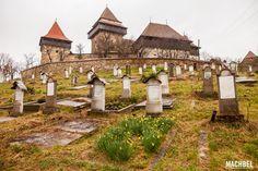 Iglesias fortificadas de Rumanía, visitando Prejmer y Harman. La grande y la bonita Iglesias, Romania, Grande, Dolores Park, House Styles, Amazing, Travel, World, Turkish People