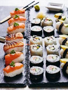 Sami Kuronen kokkaa sushia yhdessä Oona-tyttärensä kanssa - Kotiliesi.fi Asian Recipes, Ethnic Recipes, Tapas, Sushi, Seafood, Food Porn, Sea Food, Asian Food Recipes, Treats