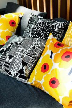 Marimekko – Pieni Unikko Cushion Cover - Marimekko - By Design House Textiles, Textile Patterns, Textile Design, Print Patterns, Marimekko, Surface Pattern, Surface Design, Turbulence Deco, Black Throw Pillows