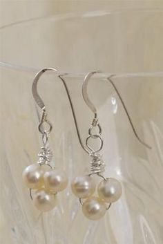 Very simple pearl earlings!