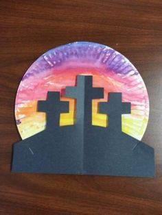 Cross Crafts - Celebrating the Reason for Easter - Happy Home Fairy - Easter time! - Easter Cross Paper Plate craft //I don& usually like paper plate crafts but this one is cute! Sunday School Activities, Church Activities, Easter Activities, Preschool Easter Crafts, Sunday School Crafts For Kids, Palm Sunday Craft, Easter Jesus Crafts, Easter Crafts For Preschoolers, Pre School Crafts