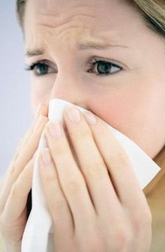 Is It a Cold or Allergies? 4 Ways to Tell the Difference