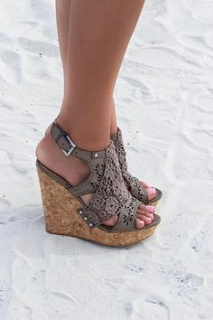 b2fd639f9e7e2c 9 Best Wedges To Compliment Any Summer Outfit - Summer Shoes 2019 ...