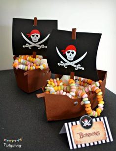 Pirates Birthday Party Ideas Favor ships at a pirate birthday party! See more party planning ideas a Deco Pirate, Pirate Day, Pirate Birthday, Pirate Theme, Pirate Party Favors, Pirate Snacks, Decoration Pirate, Holi Party, Party Fiesta