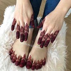 Simple, yet stunning via @syazmoralee_henna ✨ #pakistanibride #henna #bridalhenna #weddinghenna #hennatattoo #hennaart #hennaartists #hennaartist #hennadesign #handtattoo #mehndi #mehenditattoo #mehnditattoo #tattoos #mehndiart #mehndidesign #mehndiartist #mehndiartists