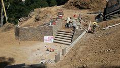 Need some steps... #retainingwall #hardscape #hardscapebrotherhood #bayarea #walnutcreek #SanFrancisco