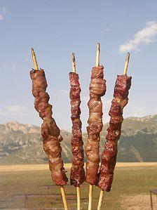 Gli arrosticini sono spiedini di carne di pecora tipici della cucina abruzzese. In alcune zone anche chiamati rustelle, arrustelle oppure rostelle. Abruzzo