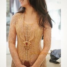 Vera Kebaya - Indonesia Vera Kebaya, Kebaya Lace, Kebaya Brokat, Batik Kebaya, Kebaya Dress, Traditional Fashion, Traditional Dresses, Indonesian Kebaya, Kebaya Wedding
