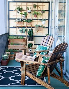 San Francisco stylist and blogger Toshiko Shek's balcony creates artful display in a small space by going vertical.