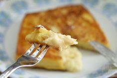 커스터드 크림이 잔뜩! 감동의 프렌치 토스트 만들기 What's For Breakfast, Breakfast Items, Milk Sandwich, Stale Bread, Custard Filling, Piece Of Bread, Main Meals, A Food, French Toast