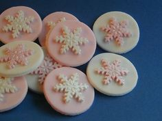 Edible Snowflake Cupcake Toppers