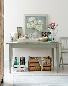 Vintage Furniture bottles-wooden-crate-baking-form - Use these five decorating tips to help you create the perfect vignette for your foyer! Vintage Furniture, Painted Furniture, Gray Furniture, Vintage Sofa, Vintage Table, Handmade Furniture, Custom Furniture, Modern Furniture, Furniture Design