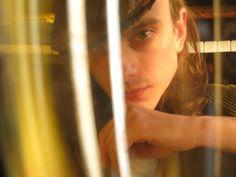 Claudio Gurra in marzo 2010 (fotografia by Ares Terra) … e La Miopismo è.