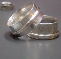 Spin Ring Tutorial - Great instructions to make these beautiful spinner or 'fidget' rings.