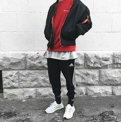 Adidas Ultra Boost. Macho Moda - Blog de Moda Masculina: Adidas Ultra Boost, Dicas de Looks Masculinos com o Sneaker. Sneaker, Tênis Masculino, Moda Masculina, Moda para Homens, Streetwear, Streetwear Masculino, Roupa de Homem.Jaqueta Bomber Masculina, Calça Adidas