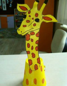 Paper-Cup-Giraffe-Craft preschool crafts and worksheets nature: giraffe gwa Free Preschool, Preschool Crafts, Giraffe Crafts, Step By Step Sketches, Animal Cartoon Video, Animal Crafts For Kids, Animal Activities, Art N Craft, School Themes
