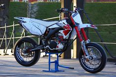 2004 Honda CRF450R by Valhalla Motorcycles