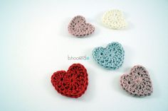 Crochet Sweet heart appliqué. Free Pattern and video tutorial from B.hooked Crochet.