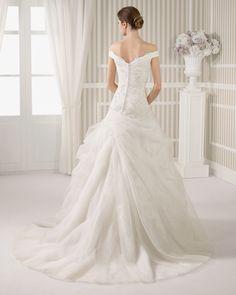 8S162 LINO | Wedding Dresses | 2015 Collection | Luna Novias (back)