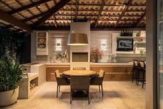 churrasqueira pre moldada com textura l f rezende-67812 Outdoor Kitchen Design, Kitchen Decor, Tv Decor, Home Decor, Brew Pub, Cozy House, Sweet Home, Bedroom Decor, House Styles