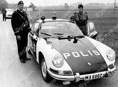 - Bilder i syd Old Police Cars, Old Cars, Police Patrol, Volkswagen Group, Car Badges, Police Uniforms, Car Manufacturers, Law Enforcement, Buick
