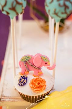 Bollywood Elephant Cupcake from a Glamorous Bollywood Birthday Party on Kara's Party Ideas   KarasPartyIdeas.com (22) Bollywood Party, Bollywood Photos, 15th Birthday, Birthday Ideas, Birthday Parties, Elephant Cupcakes, Cupcake Cookies, Ganesha, Table Centerpieces