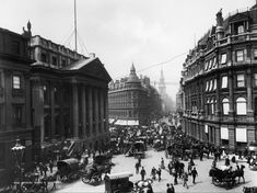 Traffic outside the Mansion House (the official residence of the Lord Mayor of London) and down Cheapside in the City of London, circa Photo Credit: Photo by London Stereoscopic Company/Hulton Archive/Getty Images Victorian London, Vintage London, Old London, London City, Lord Mayor Of London, Mansions Homes, Victorian Architecture, London Photos, Heritage Image