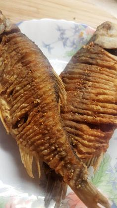 Sült balatoni keszeg Fish Recipes, Chicken Recipes, Hungarian Recipes, Hungarian Food, Seafood, Food And Drink, Healthy Eating, Cooking Recipes, Dishes